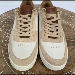 """Vince """"Rendel"""" sneakers in Beige, size 7 US, Women"""